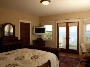 Master Whidbey's Bedroom